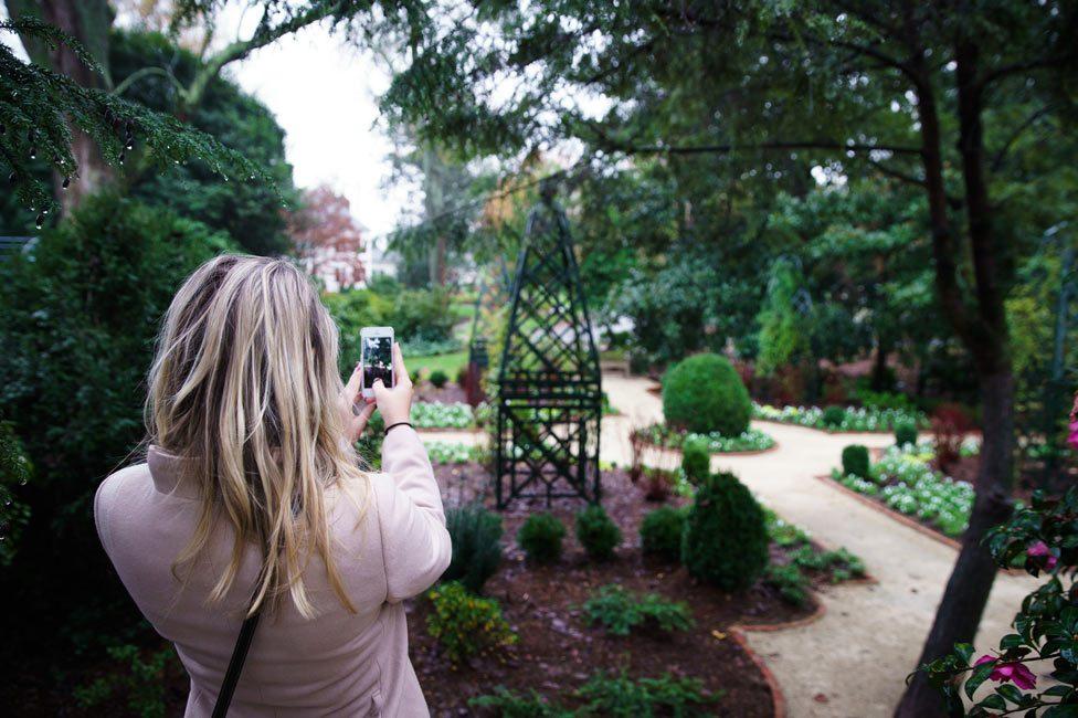 Photo op at Garden at Duke Mansion